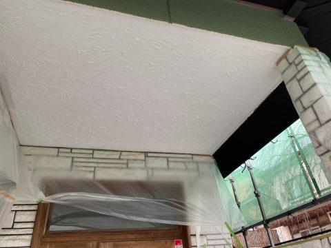 いわき馬上邸 玄関軒天 漆喰部 下塗り上塗り_210128_5