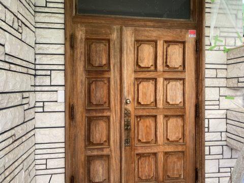 いわき馬上邸 27日 玄関扉 円台キシラデ下塗り上塗り 一階木部上塗り_210128_0